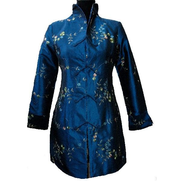 Chemise pliante femme asiatique
